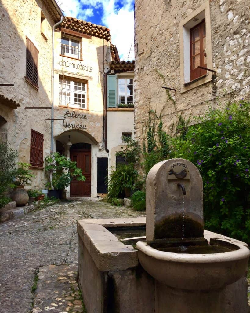 St. Paul de Vence is a must visit in the French Riviera...9 reasons you'll fall in love