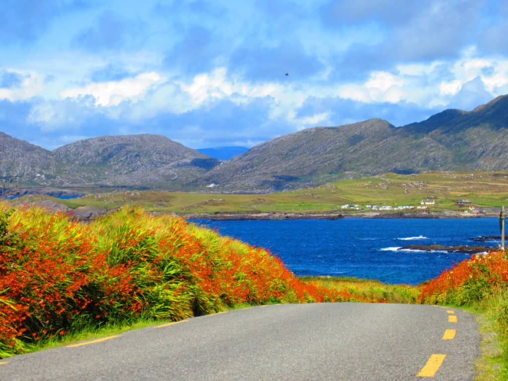 The Beara Peninsula is a must-do on any Irish west coast roadtrip. Tips & tricks for making this stunning drive.