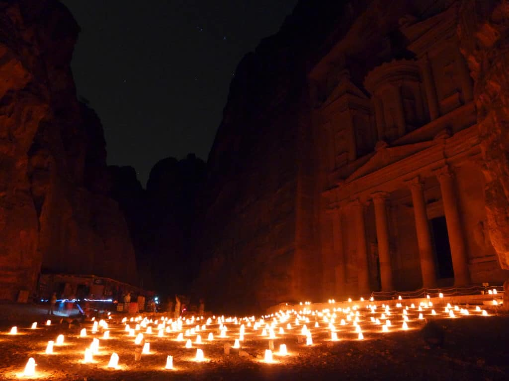 Tips for enjoying Petra by Night, a mesmerizing experience when visiting Jordan | Tips for seeing Petra at Night, one of the Seven Wonders of the World | Lost City of Petra at night, Wadi Musa, Jordan #jordan