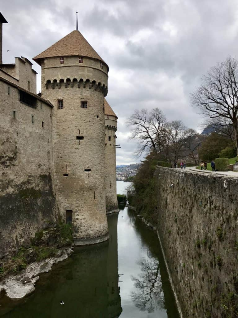 Switzerland's Chateau Chillon and tiny medieval Yvoire, France are a perfect day trip from Geneva | how to plan your trip, how to visit Chateau Chillon, day trips from Geneva, what to do in Geneva, Switzerland trip planning tips #chateauchillon #yvoire #geneva #switzerland