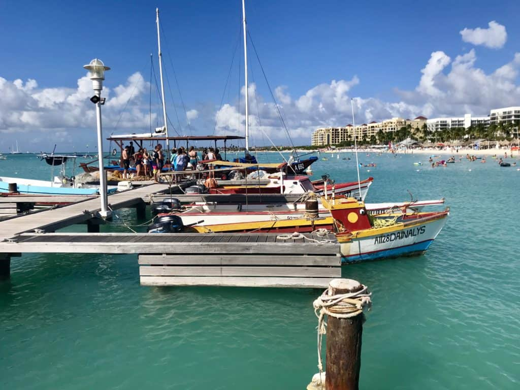 Snorkeling & sailing in Aruba with the Black Pearl I loved this chill, beautiful boat trip, the snorkeling, & a gorgeous Aruba sunset | what to do in Aruba, Aruba trip planning, Aruba itinerary ideas, boat trips in Aruba, snorkeling trips in Aruba #aruba #sailing #caribbean