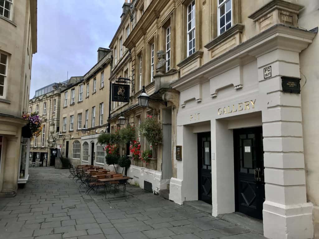What to do in Bath, especially with a short time   Bath, England, is such a compact little city and there's a ton of fun history, architecture, and literary references   things to do in Bath UK #bath #england