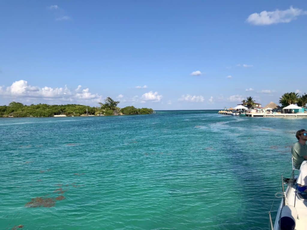 A super chill day snorkeling & sailing with Carlos Tours in Caye Caulker, Belize...amazing! What to do for a chill vacation in Caye Caulker