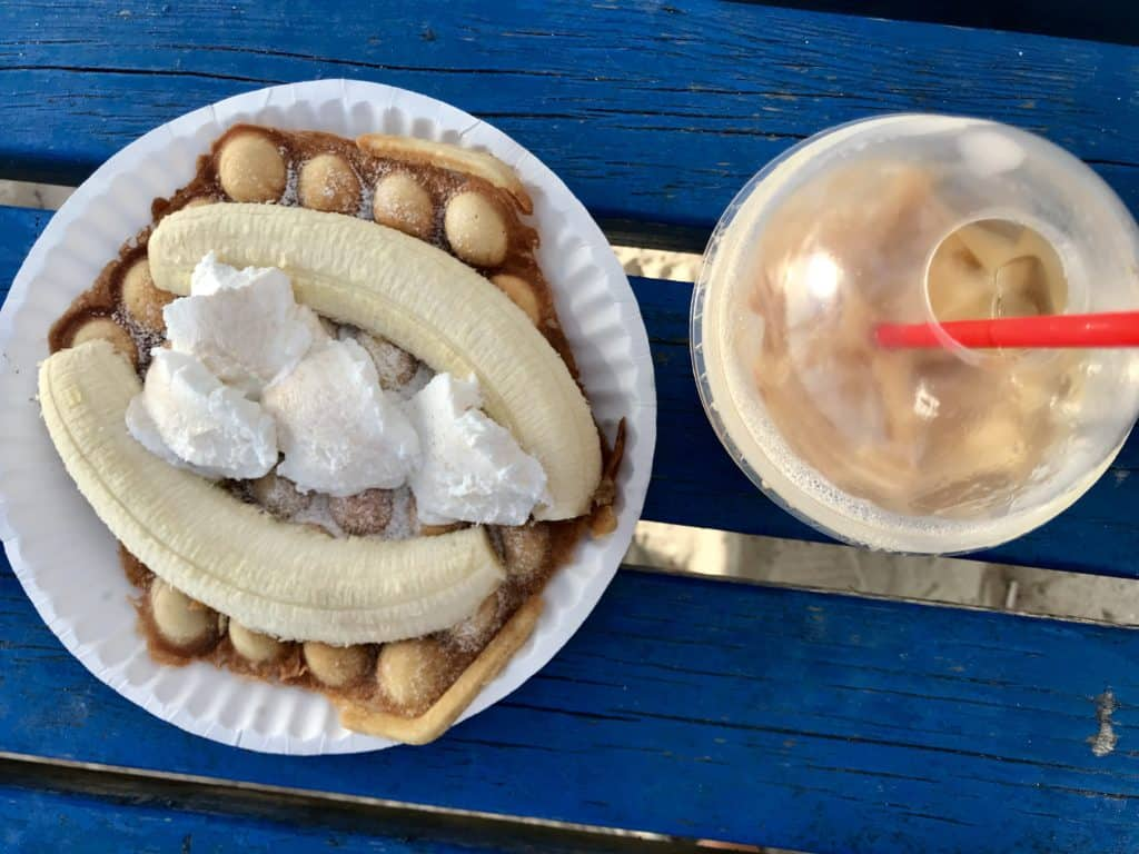 The best coffee in Caye Caulker, Belize is Ice 'N' Beans, hands down! Where to eat in Caye Caulker, best restaurants in Caye Caulker
