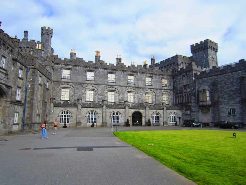 Visiting Kilkenny Castle is one of the must-do things in Kilkenny