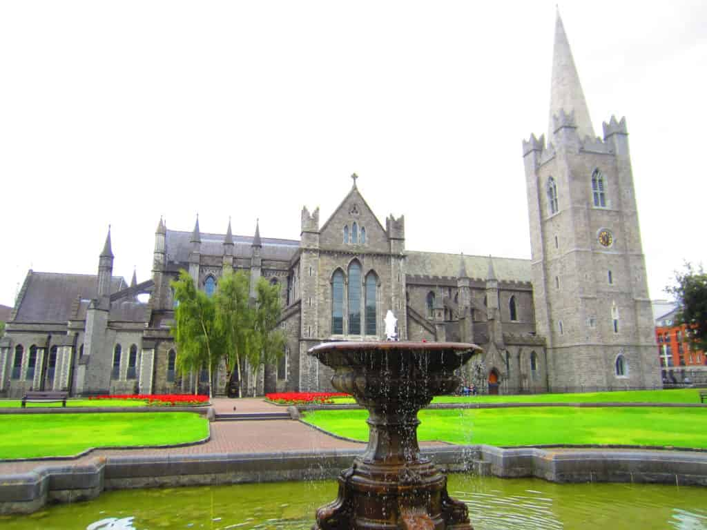 If you have a day in Dublin, here are some of the places you have to visit...St. Patrick's Cathedral, Trinity College, delicious food, and more!