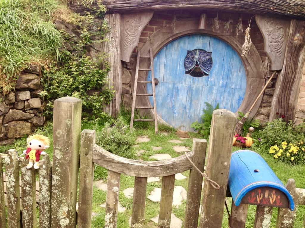 Visiting Hobbiton on New Zealand's North Island | One Girl, Whole World