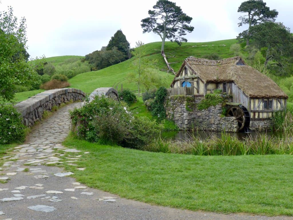 Cute bridge and mill at Hobbiton!