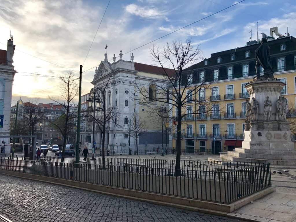10 things that have to be on your Lisbon itinerary | 24 hours in Lisbon | 1-day lisbon itinerary | Lisbon travel tips | Portugal itinerary ideas
