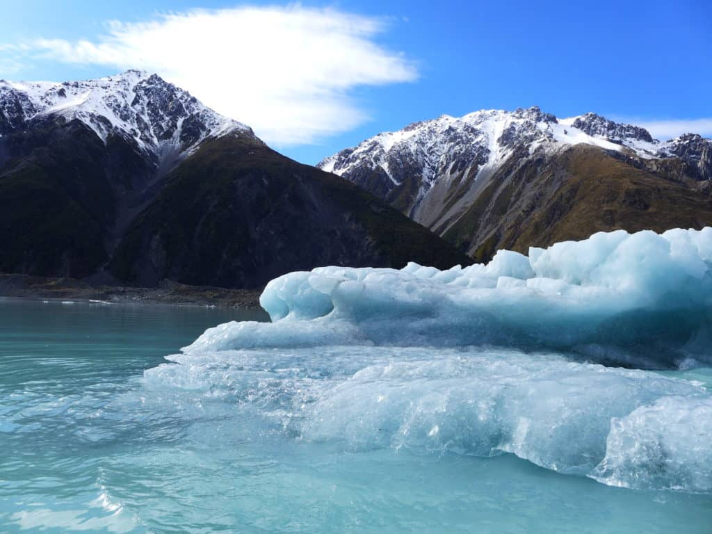 Little icebergs calved off Tasman Glacier, New Zealand | A glacier lake boat tour is a must in New Zealand, why you have to visit Tasman Lake on the South Island. New Zealand itinerary advice & trip planning, what to do near Lake Tekapo or Mt. Cook in New Zealand #newzealand #glacier