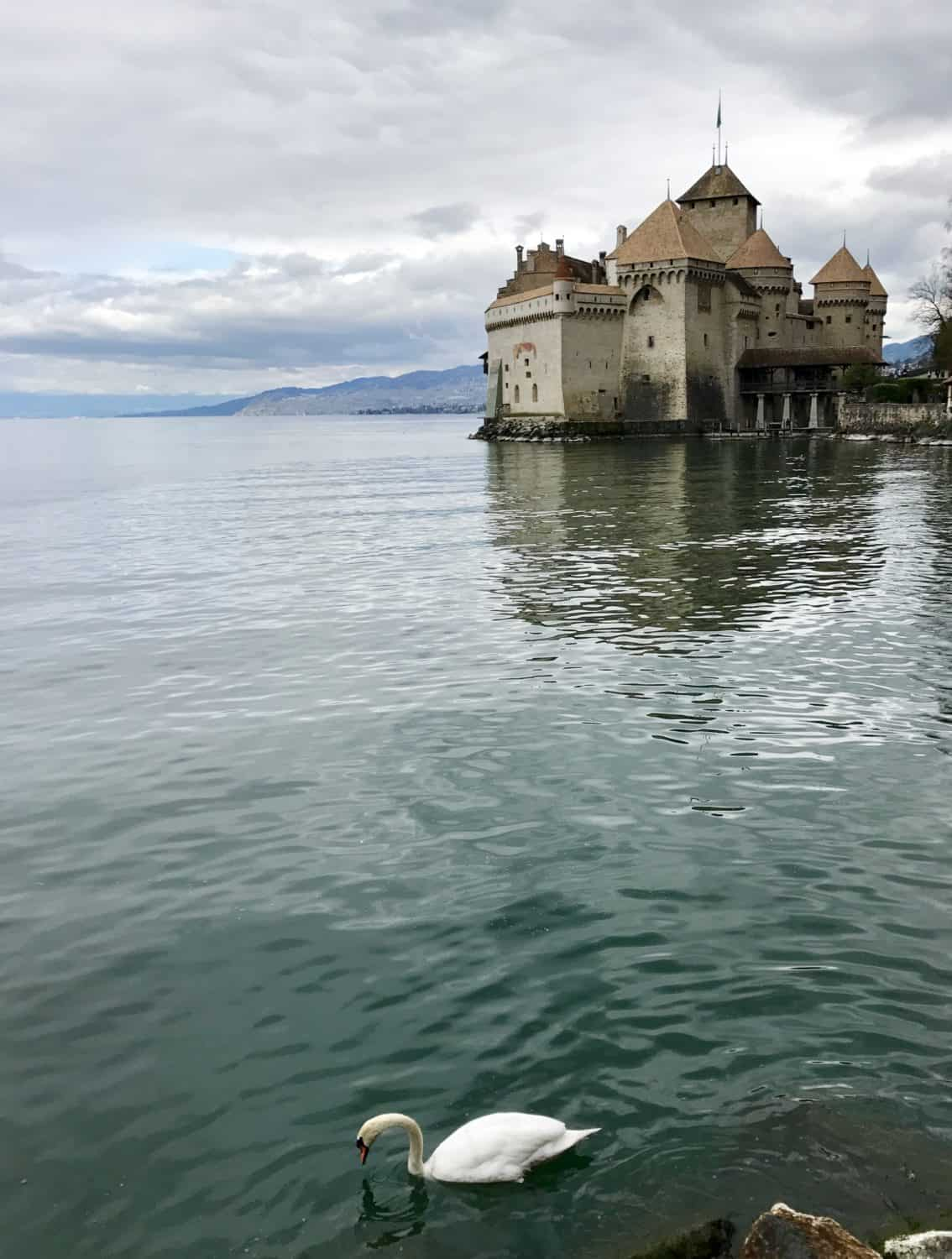 10+ Ideas for Day Trips from Geneva, Switzerland | Whether you're looking for history, culture, food, natural beauty, or adventure, Switzerland's got it all, and Geneva is a perfect base. There are so many things to do in the Lake Geneva area, from the Golden Pass train to Chateau Chillon, charming Luzern to chocolate and cheese tours. What to do in Geneva, Geneva day trip ideas, Switzerland day trips, Switzerland itinerary ideas.