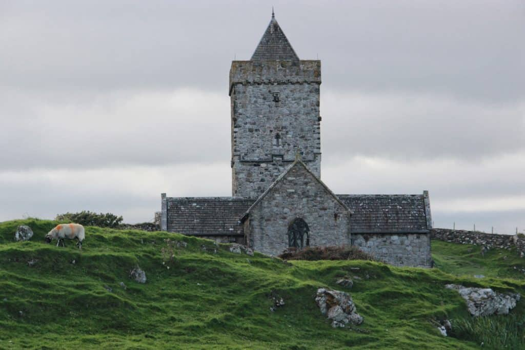 St. Clement's Church on Scotland's mystical Isle of Lewis and Harris | this gorgeous island is full of history, amazing scenery, culture, great food, wildlife, and more. Make sure a trip to the Isle of Harris & Lewis is on your Scotland itinerary, how to plan your trip to the Isle of Harris & Lewis, Callanish standing stones, Luskentyre Beach, & more! #scotland #islelewisharris #highlandsandislands #scottishisles