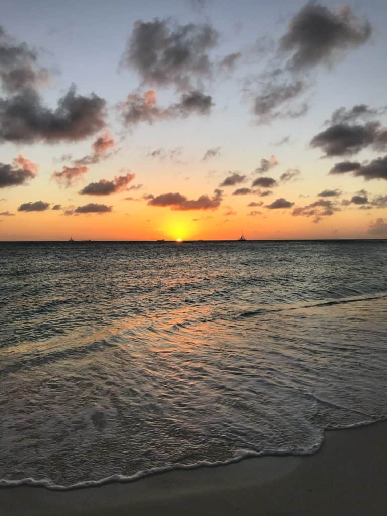 10 Aruba facts to help you plan your trip...from its dry, windy climate (making for great water sports), location outside the hurricane belt, to amazing food and culture, Aruba is the perfect Caribbean island to visit! #aruba #caribbean #beach