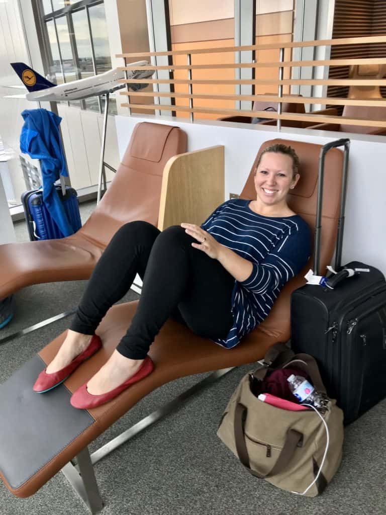 Tips for long flights - figuring out the right comfortable outfit makes all the difference!