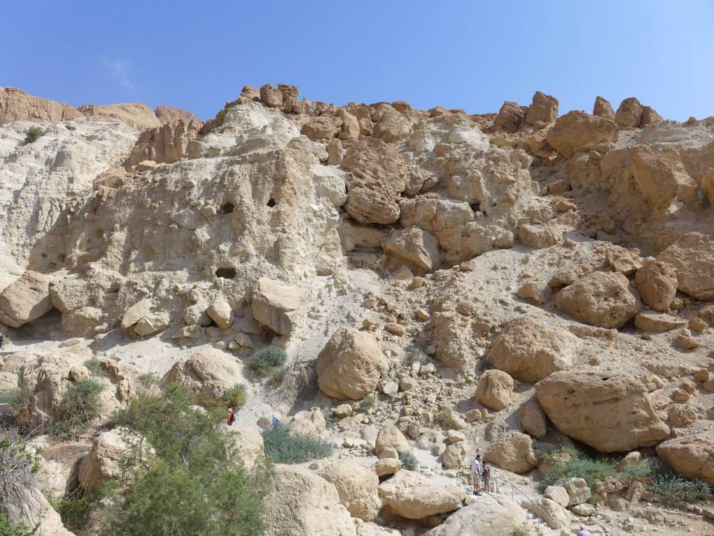 ISRAEL | Is the popular sunrise Masada, Ein Gedi, & Dead Sea Tour worth it? I share pros & cons, things I liked & didn't about this tour. Israel itinerary ideas, how to hike Masada at sunrise, Dead Sea tour #israel #deadsea #itinerary
