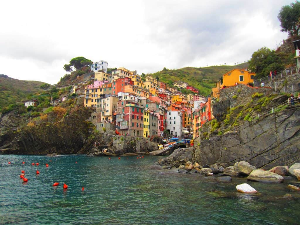 Tips for visiting Riomaggiore, Italy, in Cinque Terre | Why Riomaggiore is my favorite Cinque Terre town to base myself in, what to do in Riomaggiore and where eat, stay, and more!
