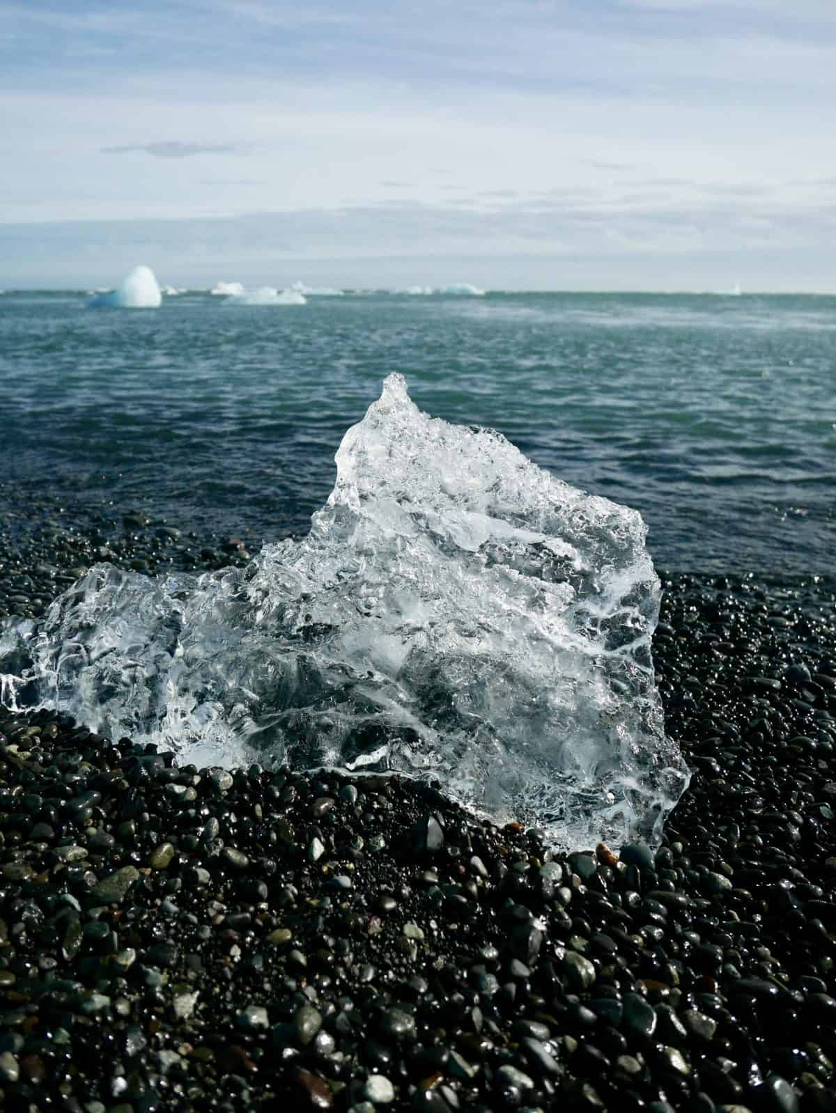 Things to do in Iceland in summer - a stop at the famous Diamond Beach is magical
