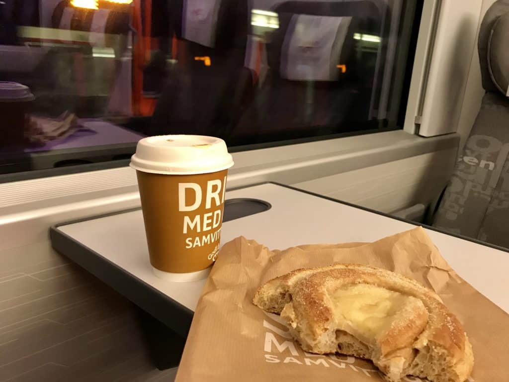 I brought my own coffee & pastries to the Norway in a Nutshell tour in winter