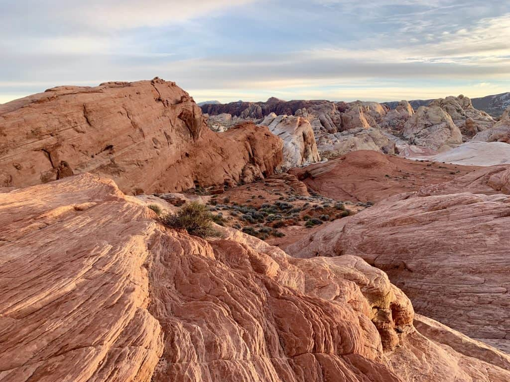 Valley of Fire State Park, the Best Vegas Day Trip | I show you why Nevada's Valley of Fire is the best day trip from Vegas you can take. Gorgeous scenery, an easy hour's drive away, and you can see the park in just a couple hours or a full day!