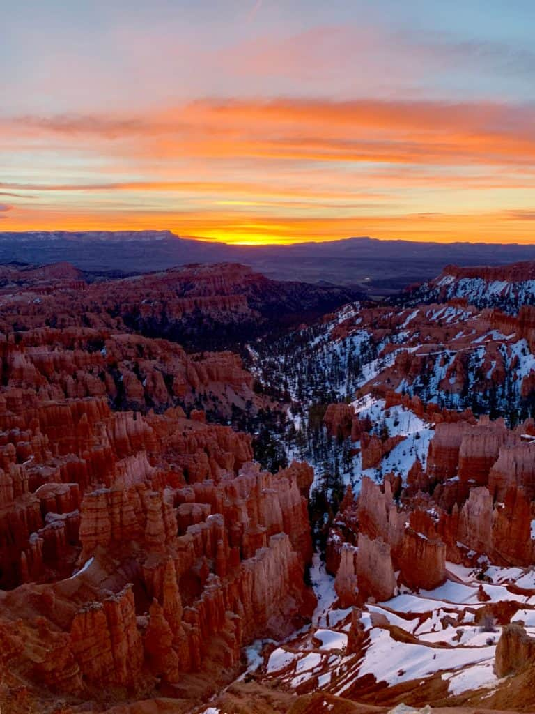 Sunrise at Inspiration Point in Bryce Canyon National Park