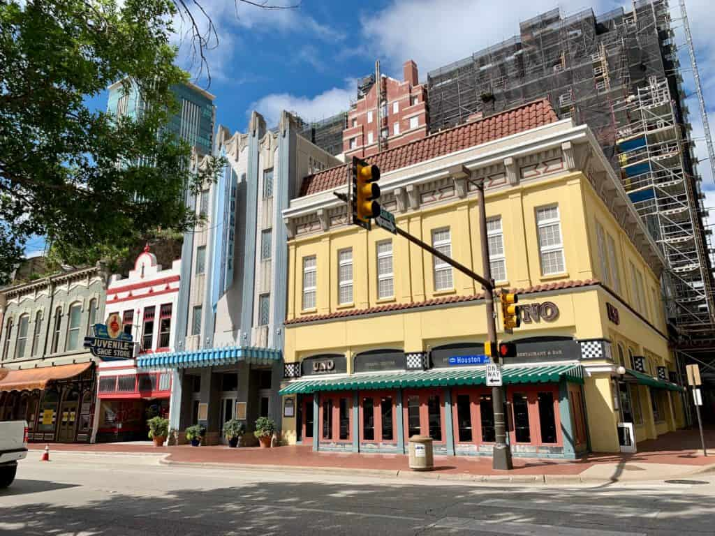 Things to do in downtown Fort Worth, TX...more off-the-beaten-path ideas | Walk the adorable downtown area!