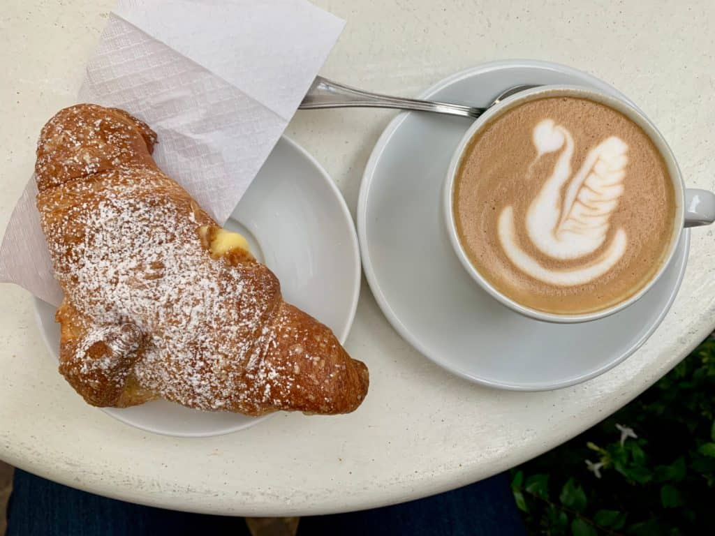 Beautiful Latte Art & Pastries from Vannelli Pasticceria in Camucia, Italy