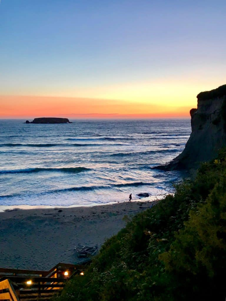 The tail end of a mind-blowing Oregon coast sunset