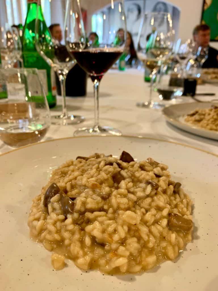 A meal and wine tasting at Tenimenti d'Alessandro, near Cortona