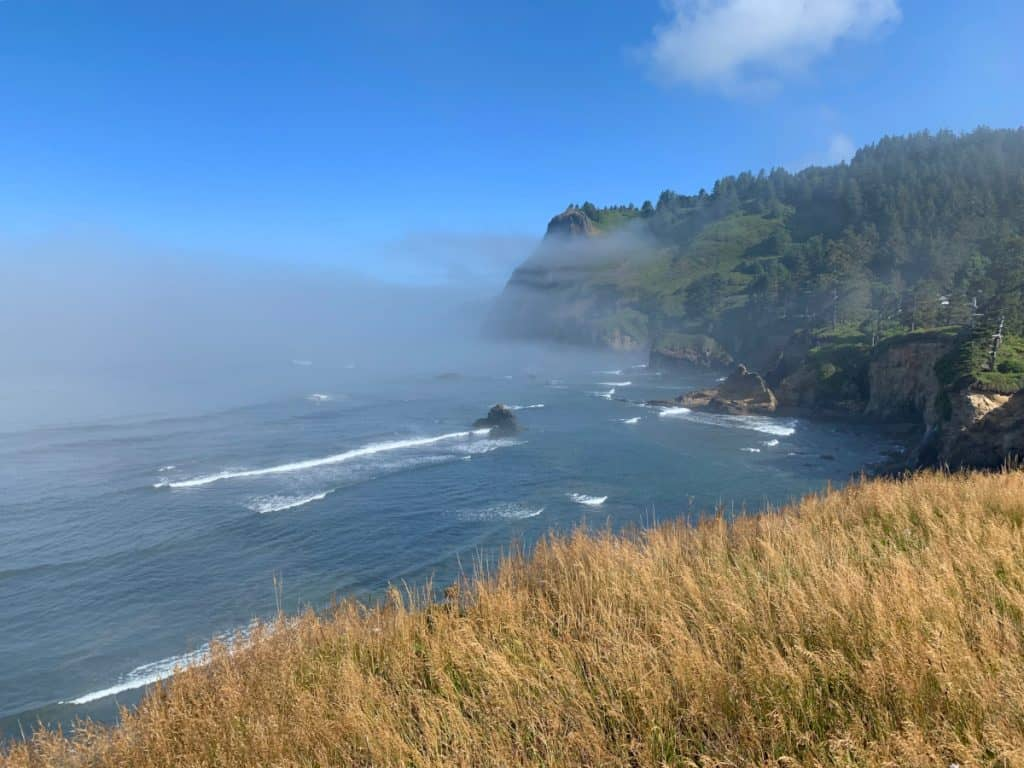 Oregon coast road trip itinerary: what to see and do (beautiful sea views)