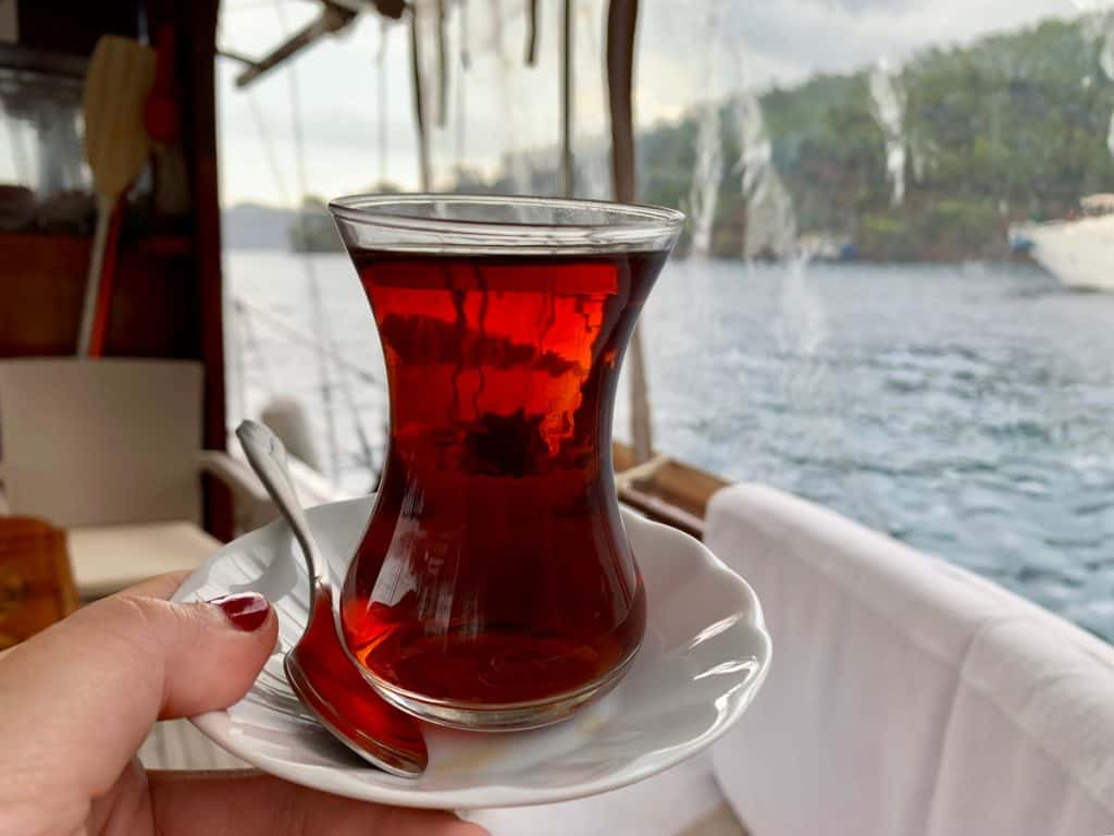 Rainy morning black tea on the boat