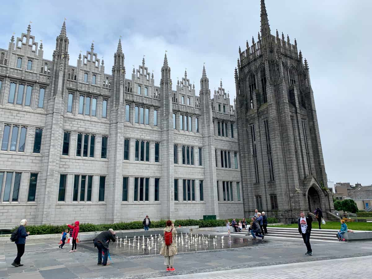 A Guide to Aberdeen, Scotland | How to spend a day or two in this charming Scottish city. Often overlooked in favor of Edinburgh or Glasgow, Aberdeen offers everything from beautiful historic buildings to a great foodie scene to some of the best street art in the world. Things to do in Aberdeen, visiting Aberdeenshire!