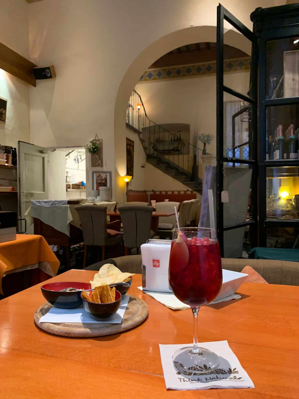 Cortona restaurants - have a sangria at Caffe Tuscher