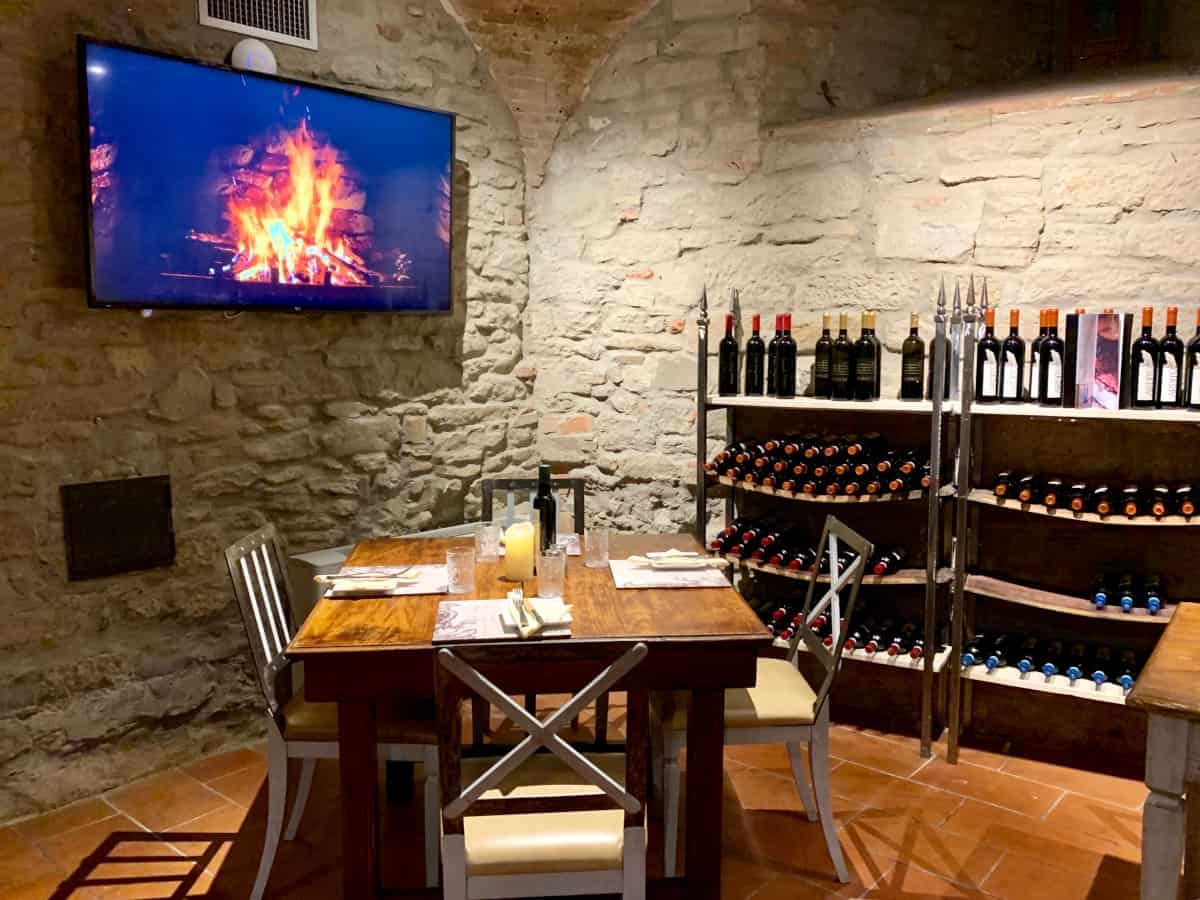 Adorable little cave - where to eat in Cortona, the best Cortona restaurants