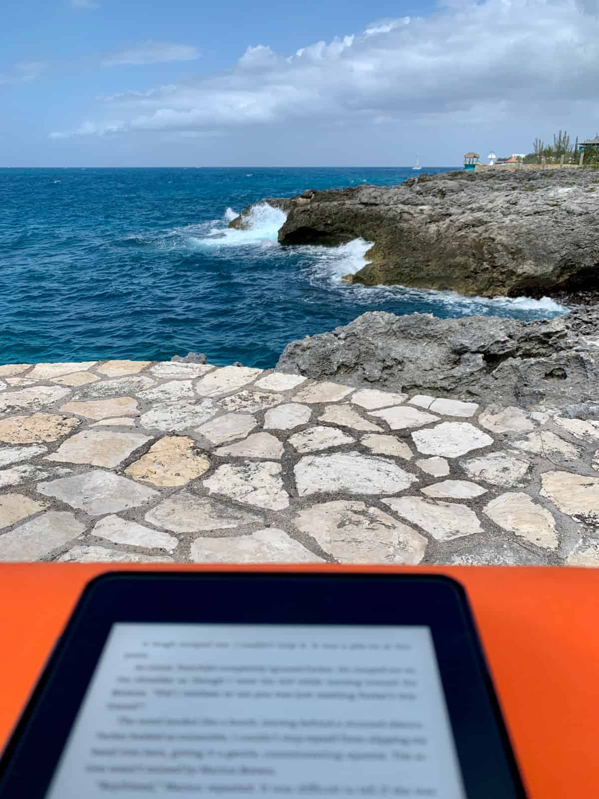 Me, my Kindle, and the cliffs at Tensing Pen