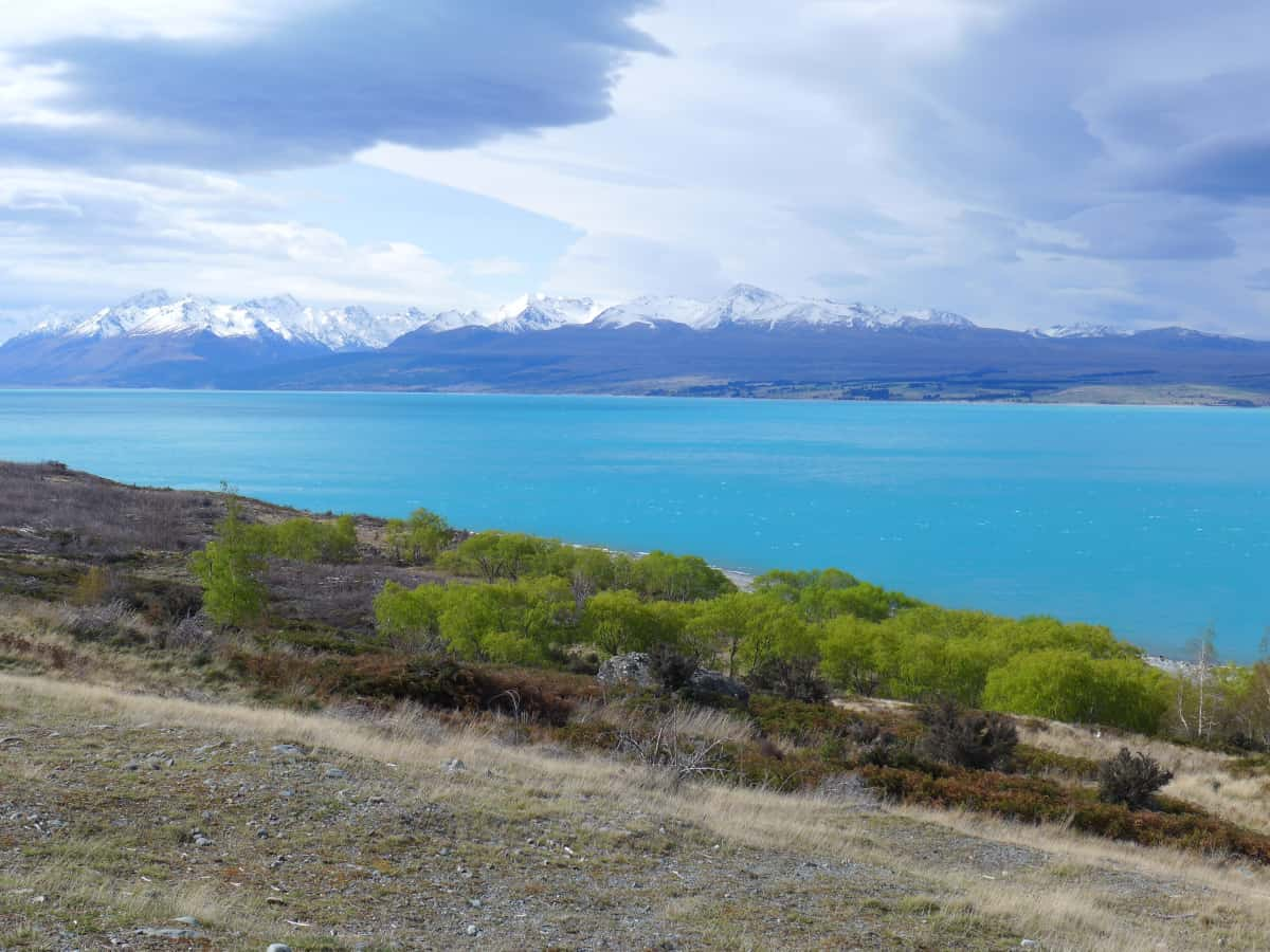 Beautiful turquoise Lake Pukaki