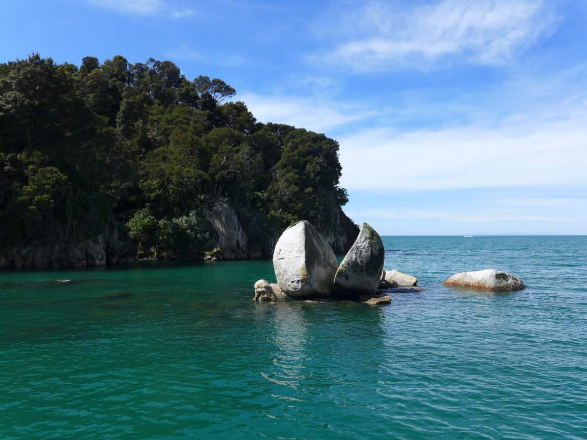 The famous Split Apple Rock - New Zealand itinerary
