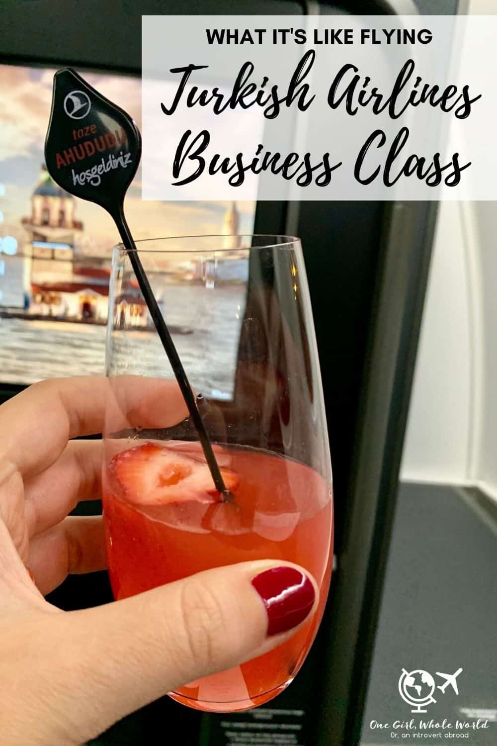 Turkish Airlines Business Class: What To Expect | A review of what it's like flying in business class on Turkish Airlines between the U.S. and Istanbul, from the food to service to seats. Includes details on the Turkish Airlines first class lounge in Istanbul. #luxury #splurge #businessclass #firstclass #turkishairlines #travelreviews