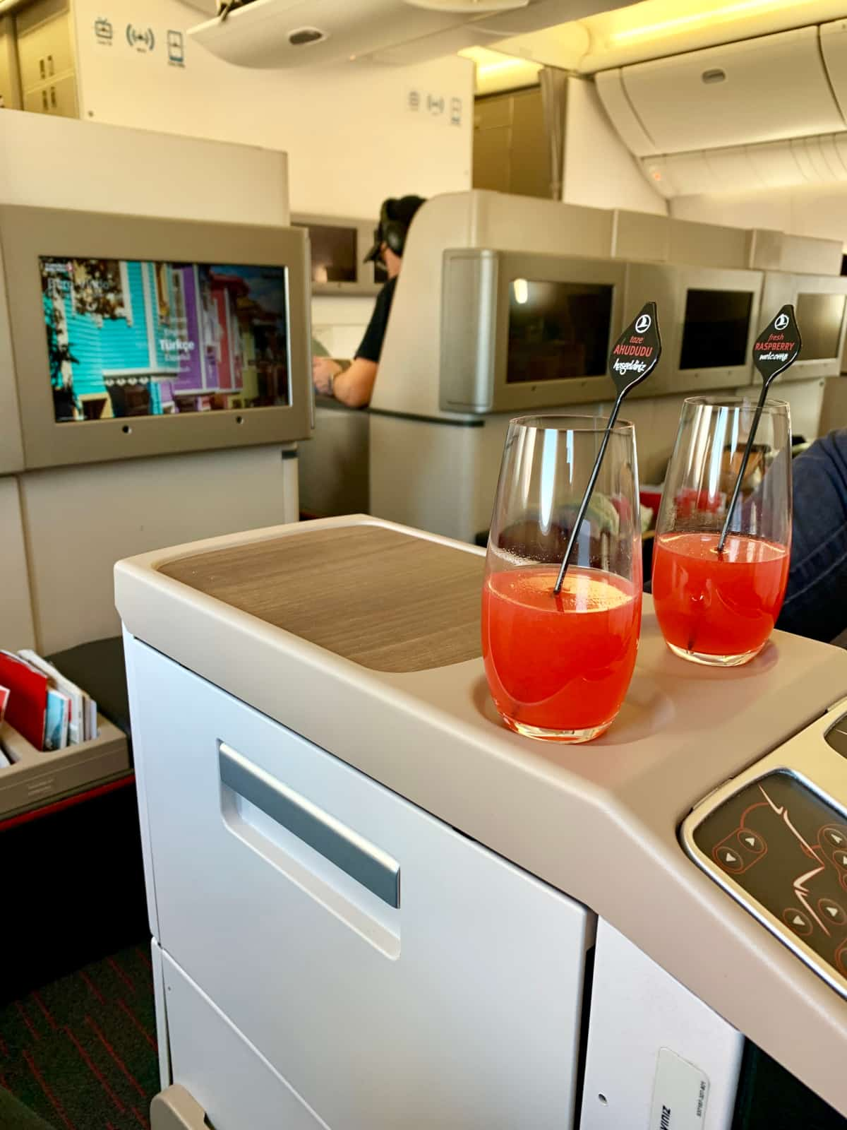 Welcome drinks in business class - flying Turkish Airlines