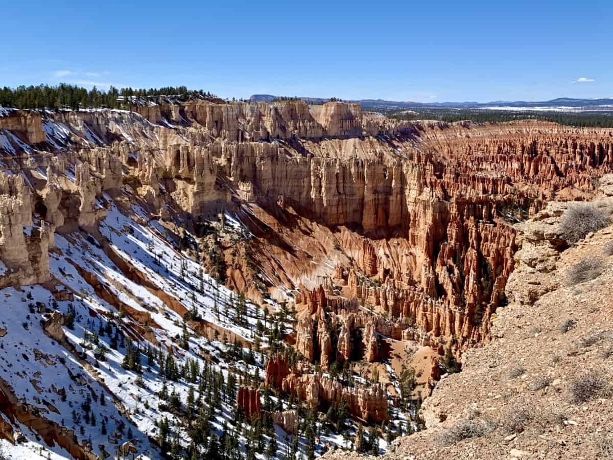 A Zion and Bryce Canyon Itinerary - seeing the hoodoos of Bryce Amphitheater