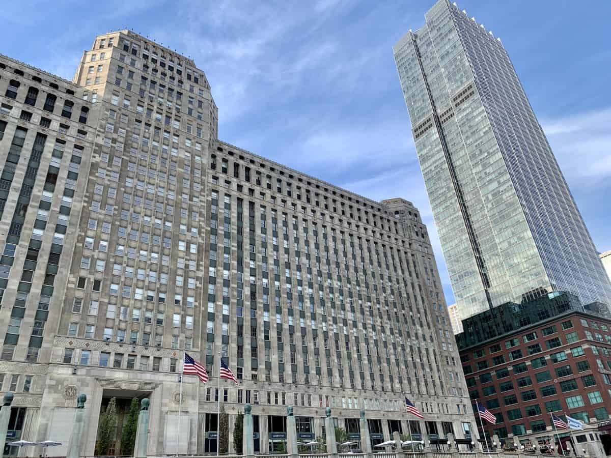 The beautiful Art Deco Merchandise Mart - what you'll see on the Chicago Architecture boat tour