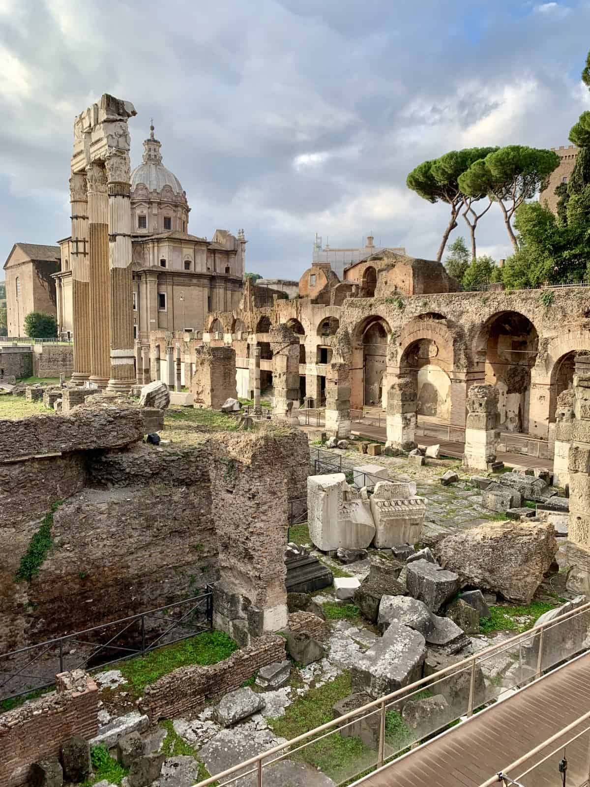 Things to do in Rome - the Roman Forum is worth exploring
