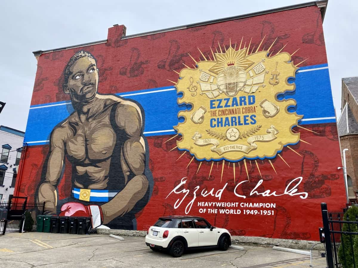 Things to do in Cincinnati on a weekend trip - explore all the great murals and street art
