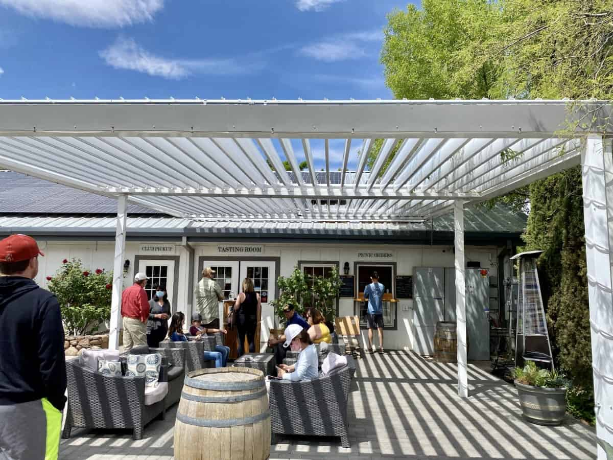 Page Springs Cellar sure gets busy on weekends, I recommend a reservation - Sedona wineries guide