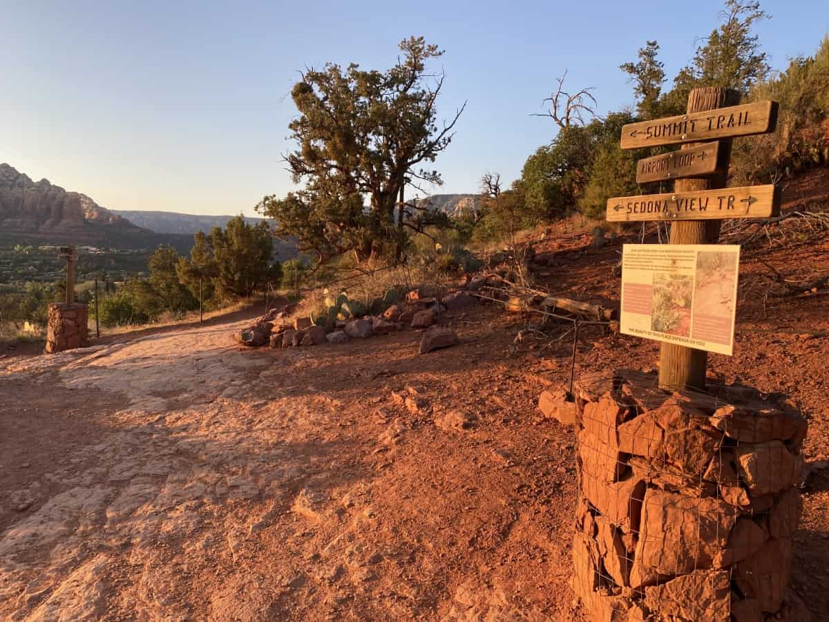 How to hike Sedona's Airport Mesa at sunset...one of the best sunset hikes in Sedona!