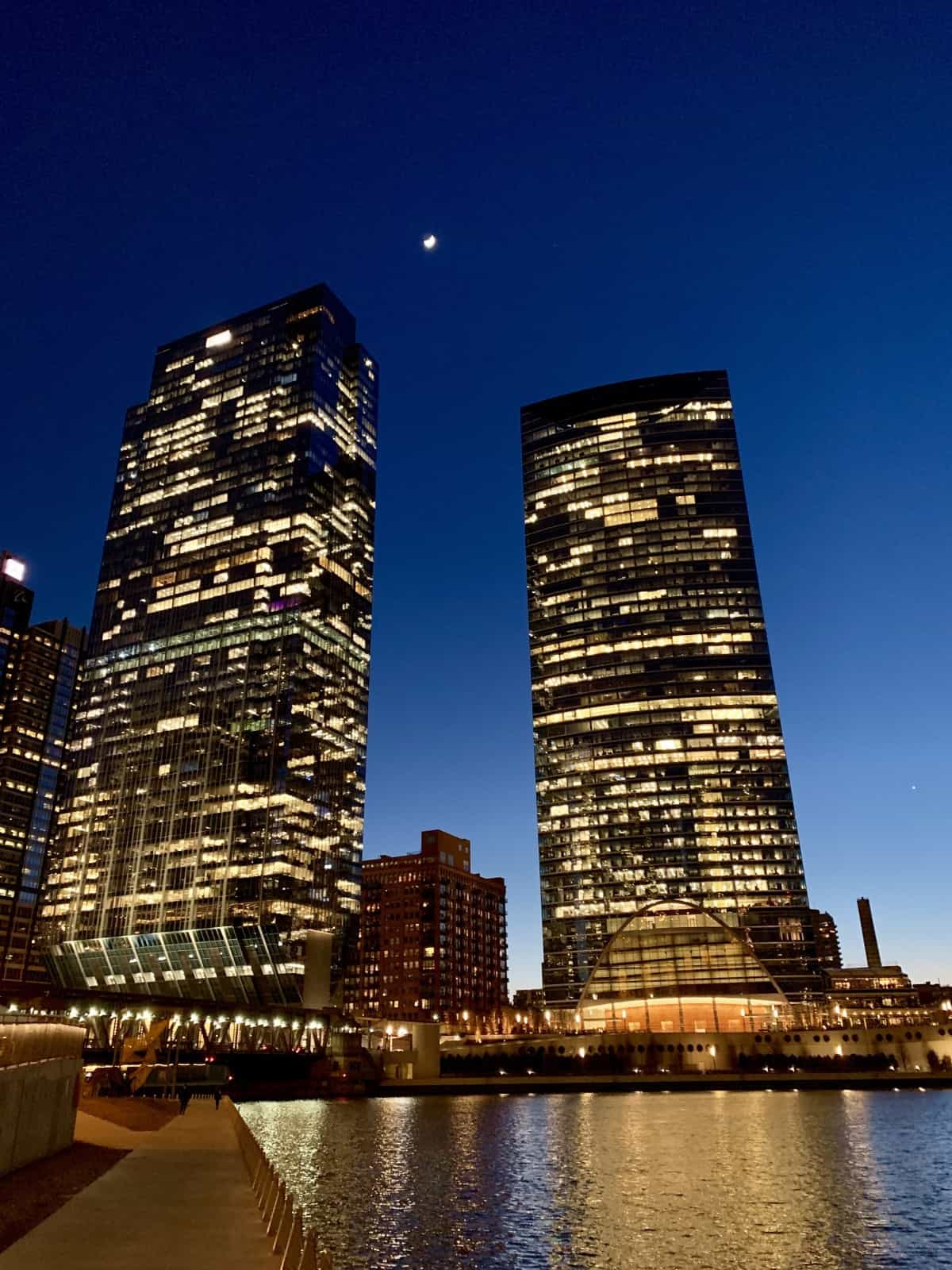 What to do in Chicago - make sure to spend some time on the Riverwalk at night