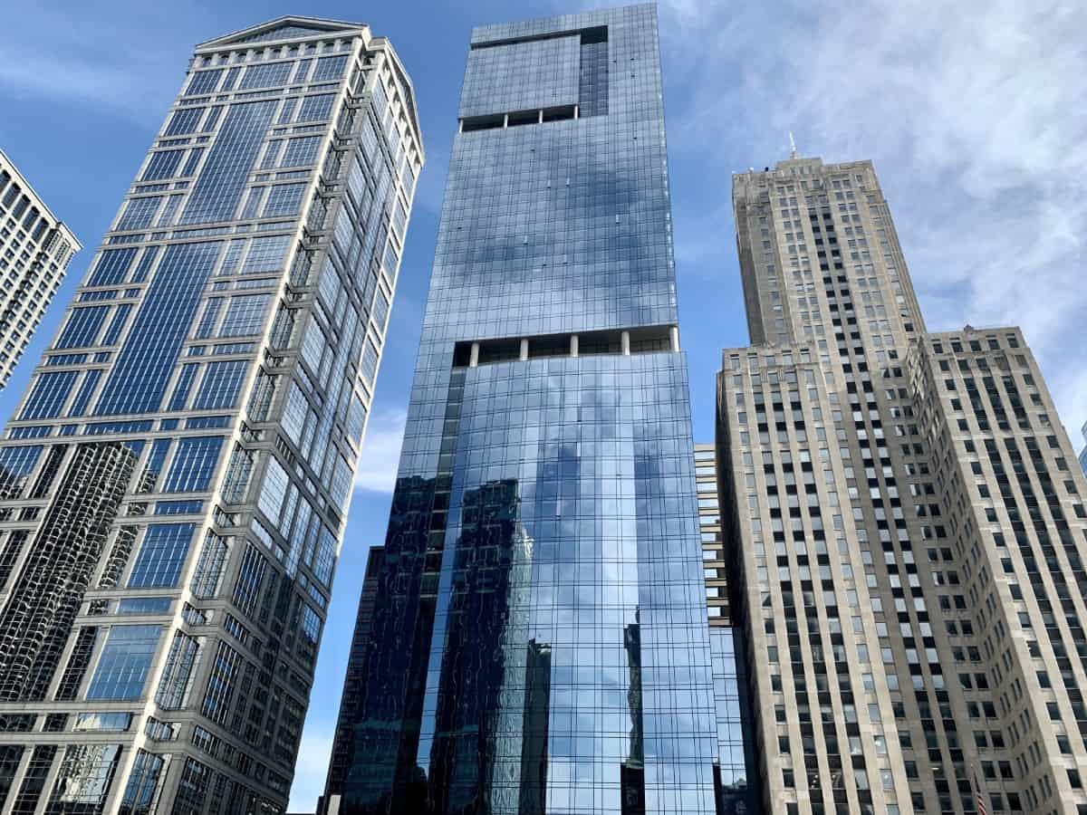 Things to do in Chicago for first-timers - appreciate the varied & historic architecture