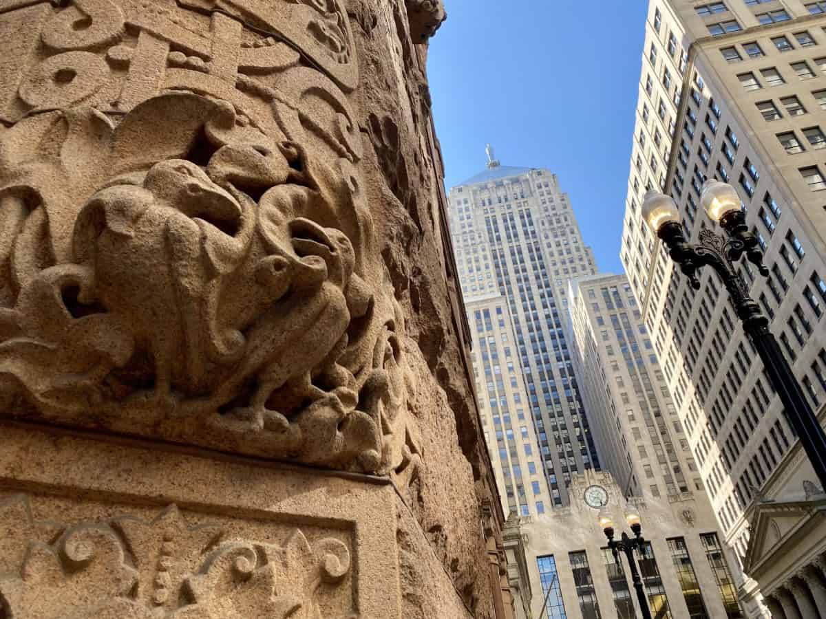 Things to do in Chicago for first-timers - appreciate the varied & historic architecture (The Rookery)