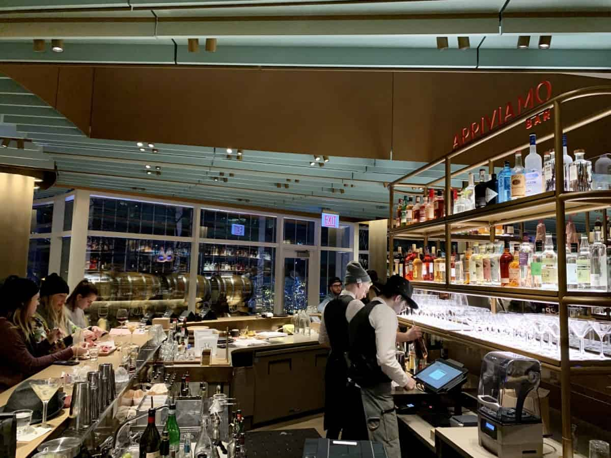 Things to do in Chicago - visit the world's largest Starbucks for a cocktail