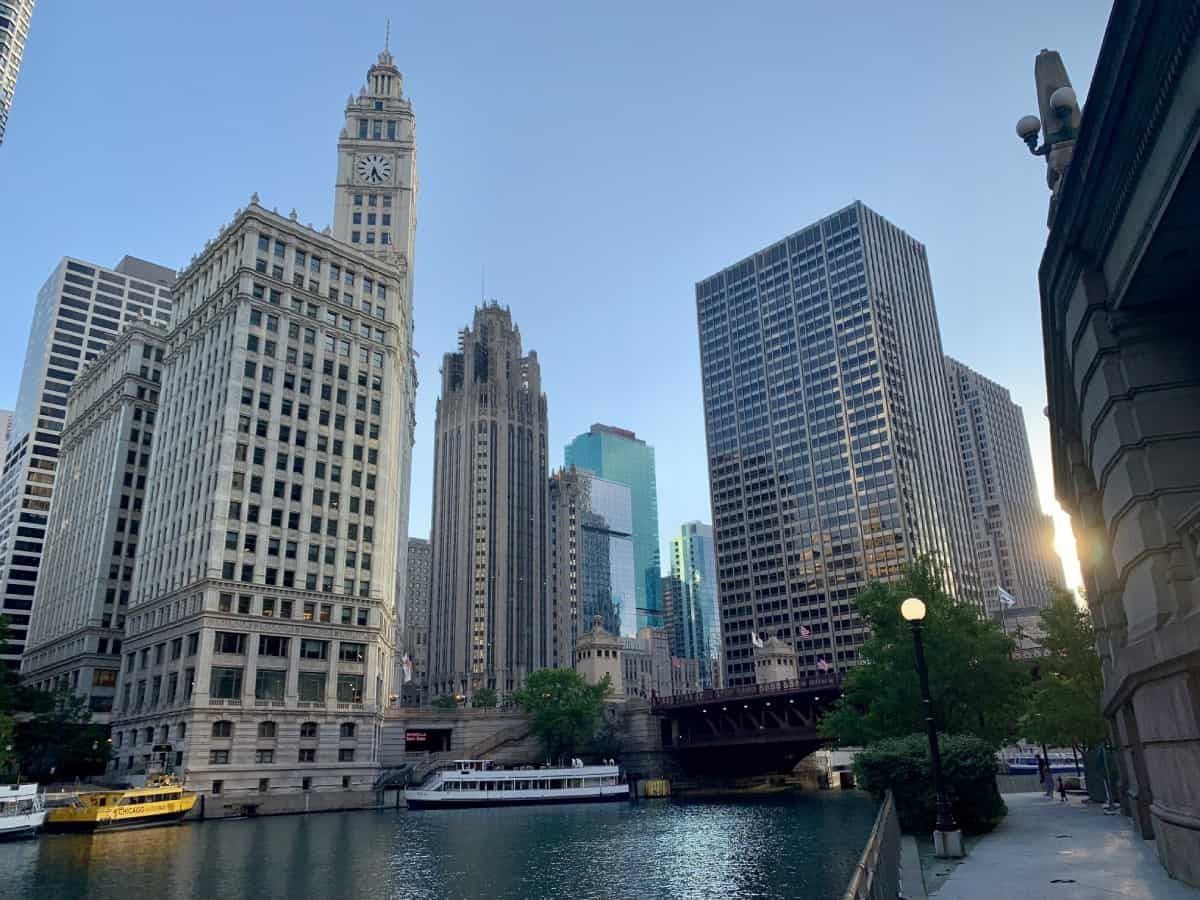 Things to do in Chicago for first-timers - sunrise on the Riverwalk