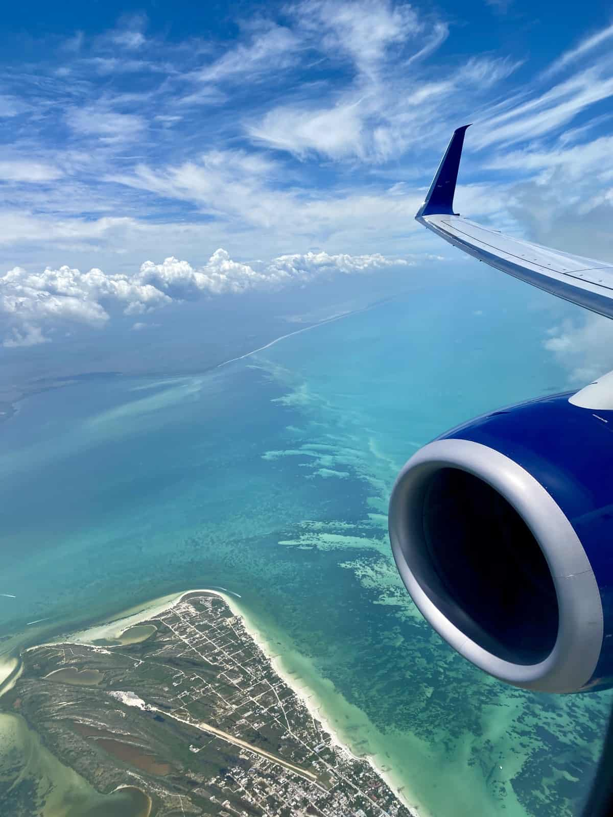 The gorgeous view flying into Cancun